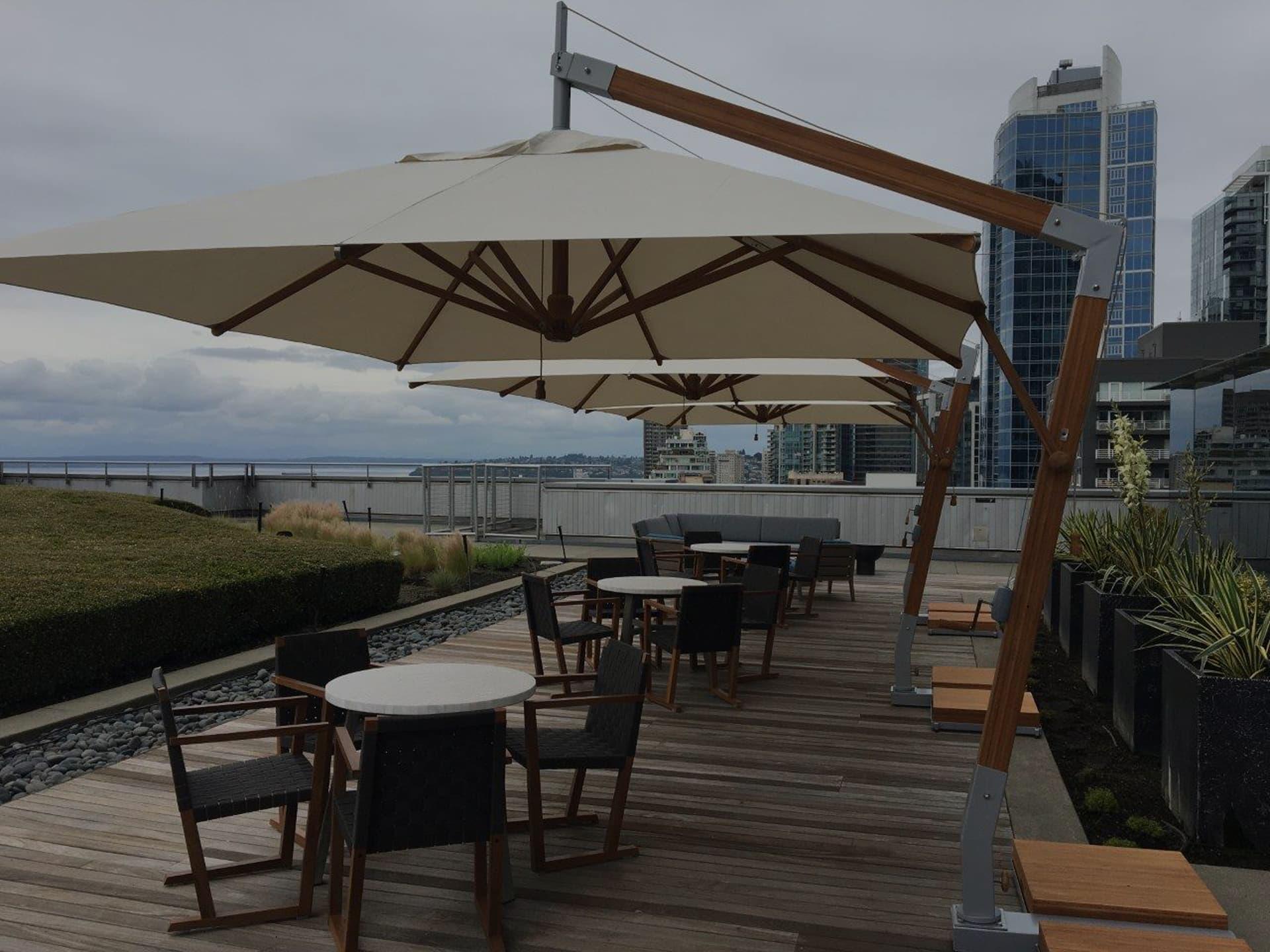 cantilever parasol for restaurant