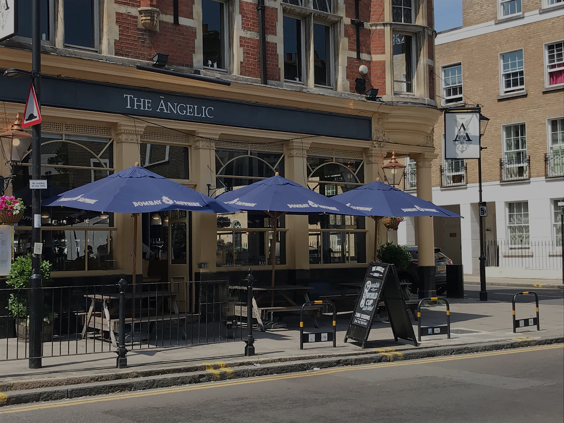 Pub parasol UK